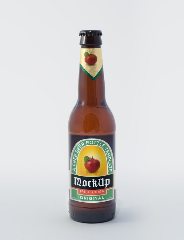 Botella de cerveza PSD MockUp