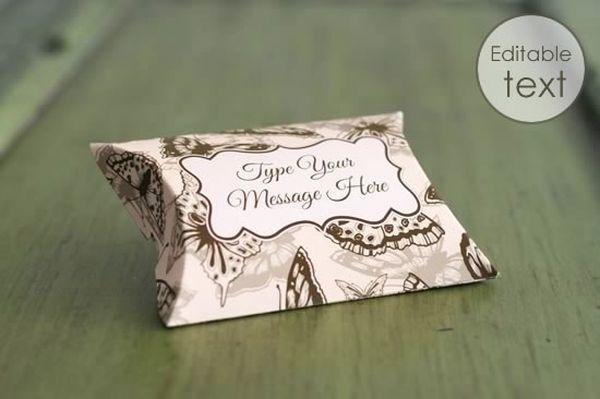 Maqueta de caja de almohada de regalo gratis